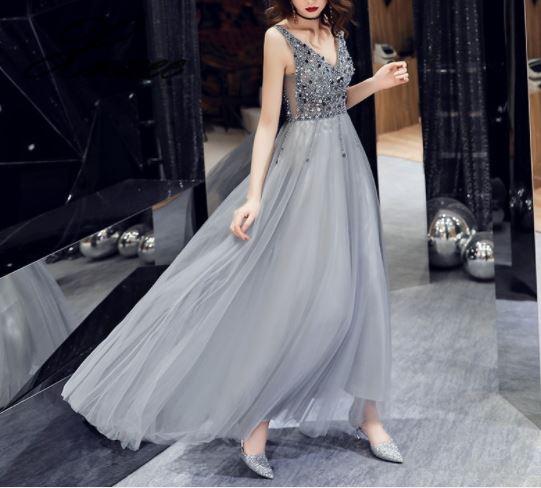 2019 nieuwe vrouwen jurk eenvoudige en royale lange jurk temperament jurk-in Jurken van Dames Kleding op  Groep 2