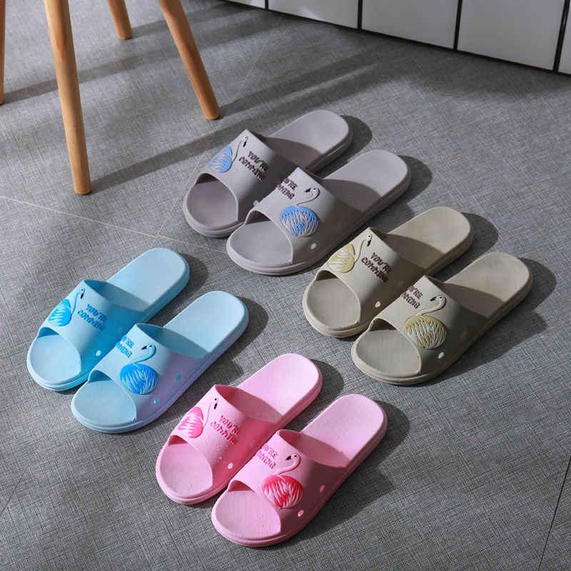 Zapatillas de verano Zapatos encantadoras señoras Casual Slip On Flamingo patrón playa deslizamiento zapatillas Sandalias planas de baño