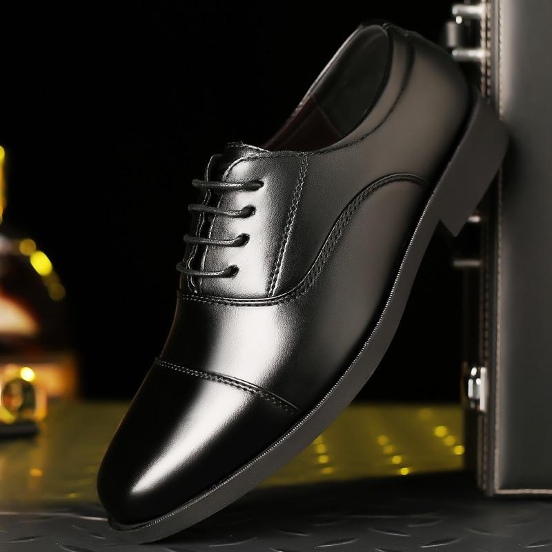 2019 Italiano Mens Di Marca Pattini Di Vestito Di Affari Degli Uomini Di Casual Scarpe Scarpe Oxford Per Gli Uomini Mocassini Zapatos De Hombre De Vestir Formale