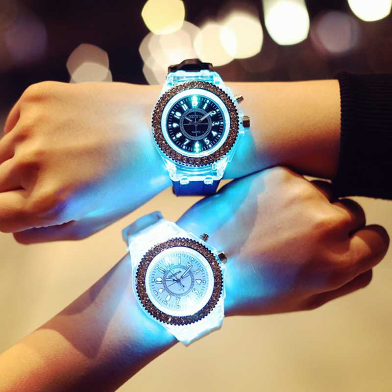 Relógio Personalidade Flash led Luminoso 7 cores de luz