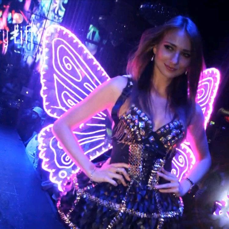 Gratis verzending LED-verlichting vleugels Stage kostuum mannen en - Feestversiering en feestartikelen