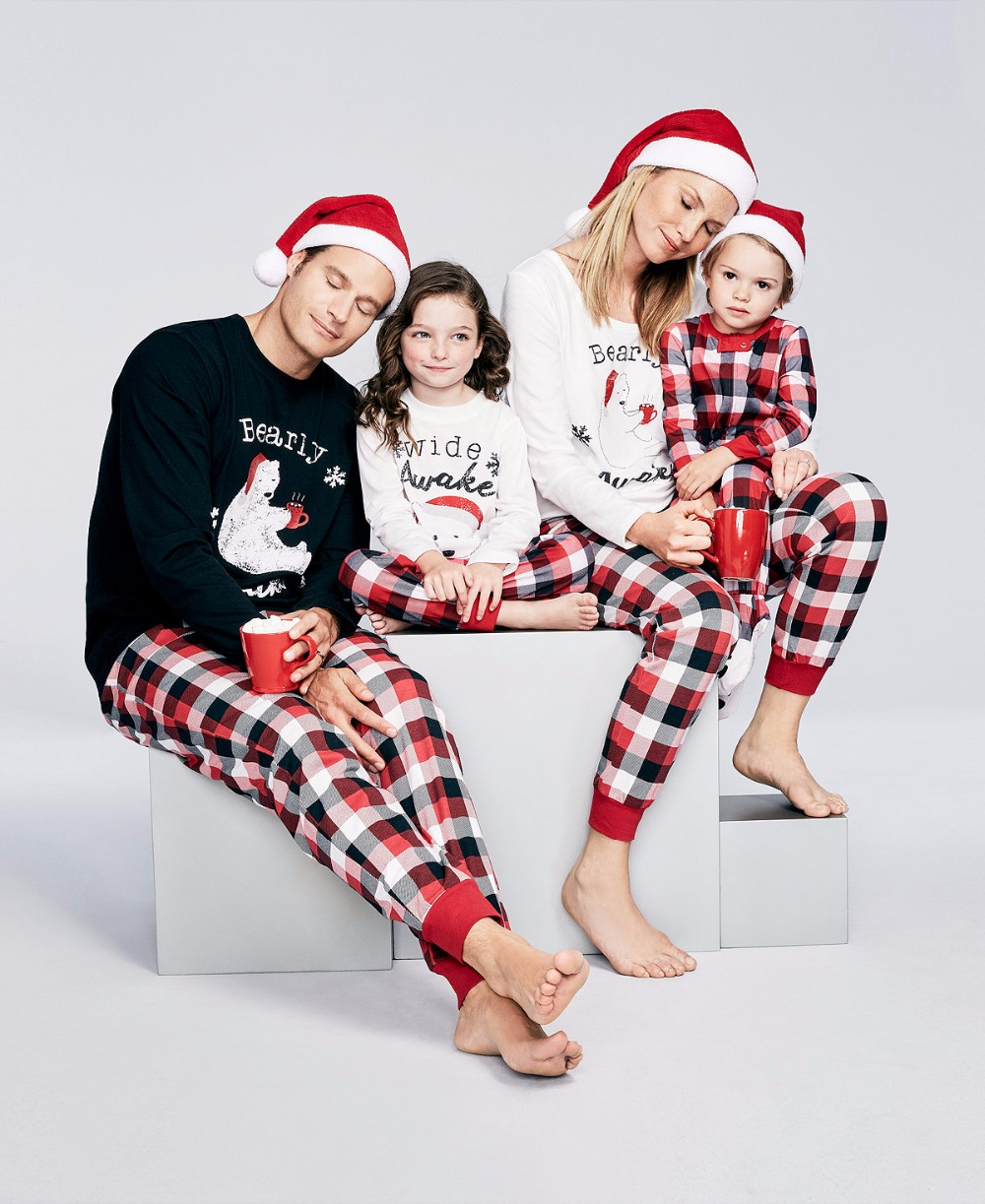 2017 new arrivals christmas clothing bear cartoon print black white long sleeve toppants family matching christmas pajamas set