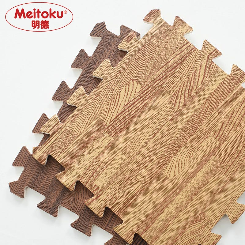 Meitoku Soft EVA Foam puzzle crawling mat;10pcs wood interlock floor tiles;waterproof rug for kids,living room,gym Each:30X30cm cracked wood print skidproof flannel rug
