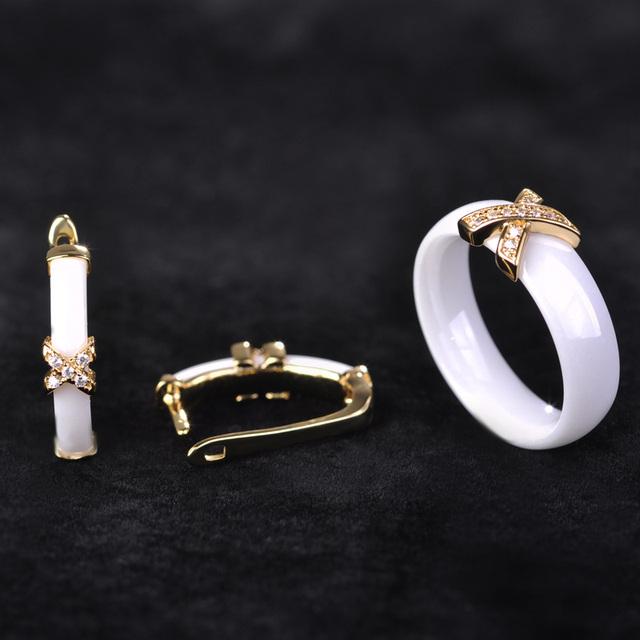 Conjuntos de Jóias Brincos & Rings MECHOSEN Branco/Preto de Cerâmica de Cobre AAA Cristal de Zircão Anel Carta Mulheres Ohrringe Schmuck Dekoration