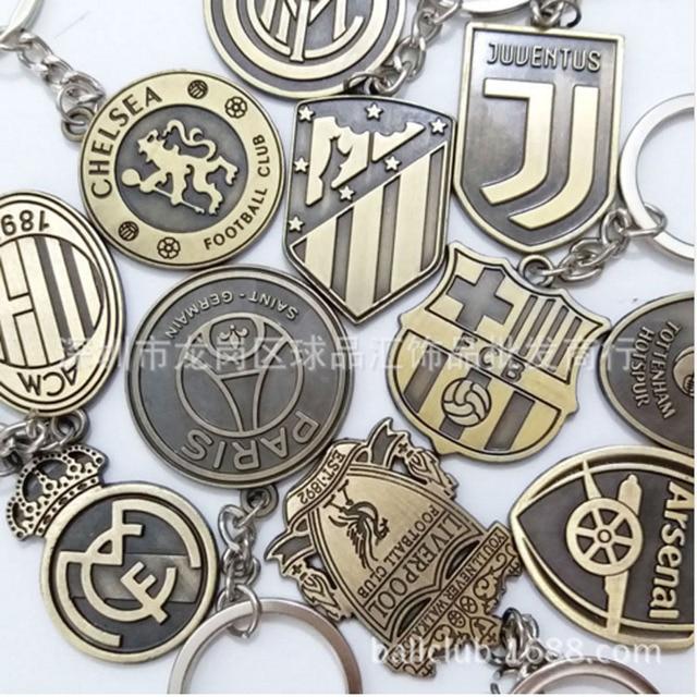 Football Club Logo CR7 C.RONALDO Messi Bale Salah keyring Keychain Gift Men  Women Soccer 8598e890b7