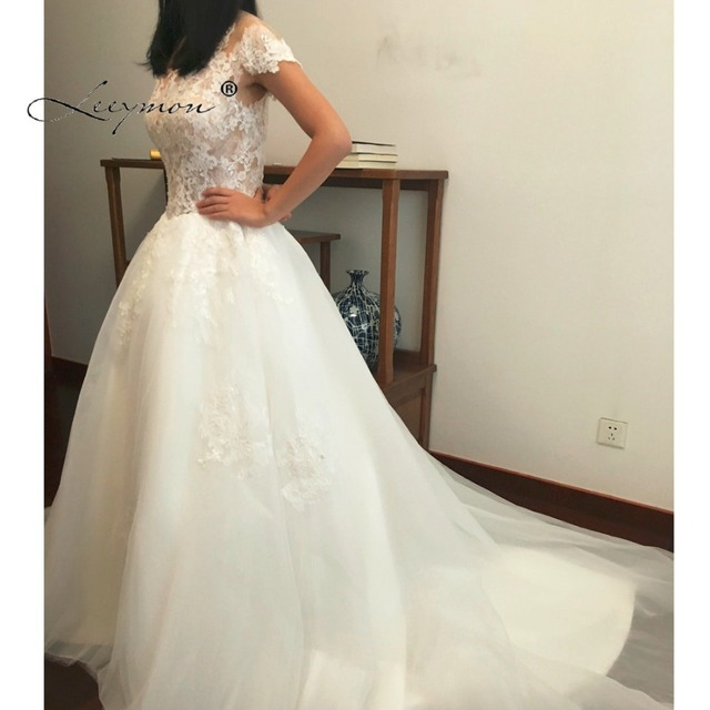 Leeymon Real sample Short Sleeves Vintage Lace Wedding Dress 2017 Elegant  Vestido De Novias Bridal Dress Customize size 45e969f496ea
