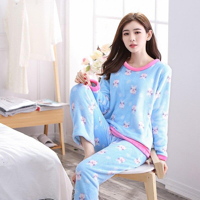 Comfortable Flannel Sleepwear Coral Fleece Pajamas Set For Women