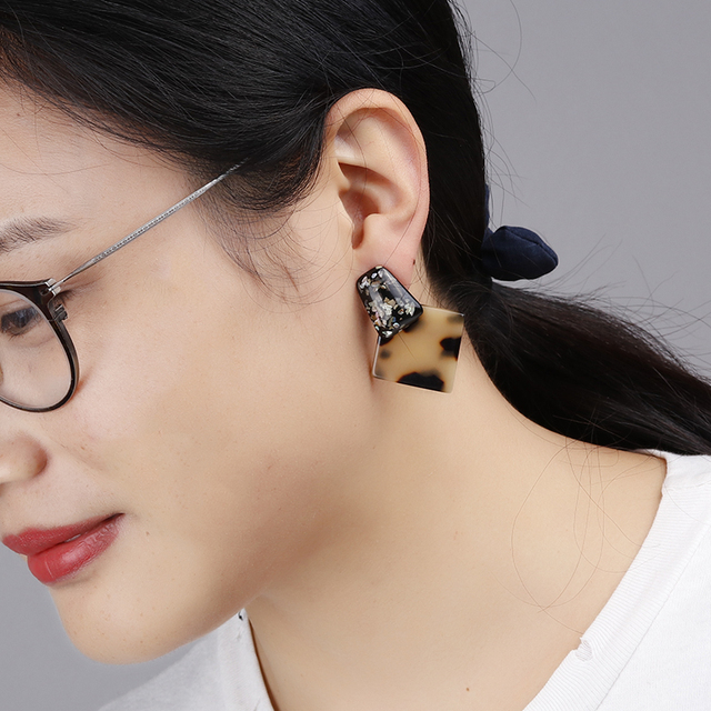 Classic Fashion Tortoiseshell Leopard Earrings