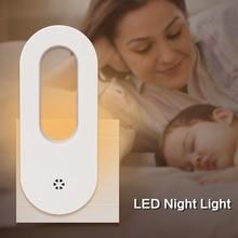 Luminária led de parede com tomada na luz noturna, branca, quente, sensor de luz para o anoitecer, para crianças e bebês berçário do quarto da escada corredor