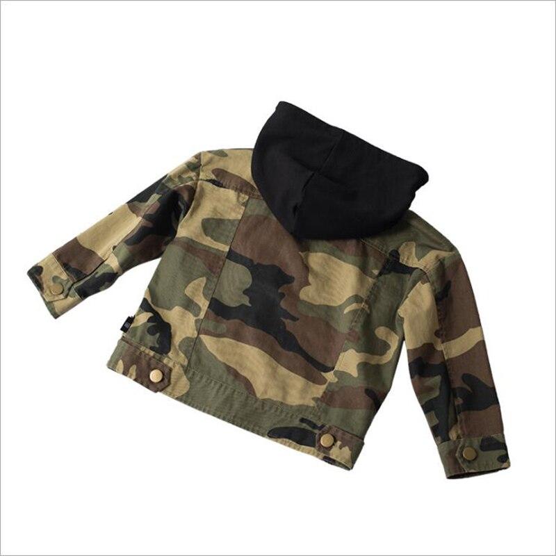 Новые осенние для маленьких мальчиков пальто Детская камуфляжная куртка с капюшоном детские пальто одежда