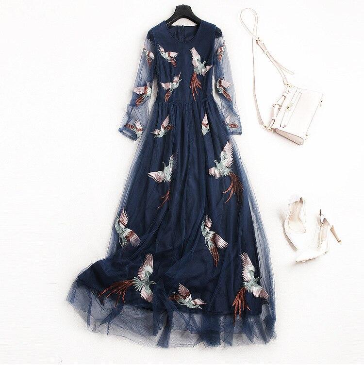 Vêtements pour femmes européennes 2018 la nouvelle robe de gaze broderie Phoenix à manches longues printemps