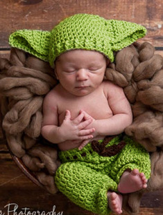 6004137dbac3f newborn Knitted Star Wars Yoda Outfits Photography Props Crochet Baby Hat  and pants Set Newborn Baby
