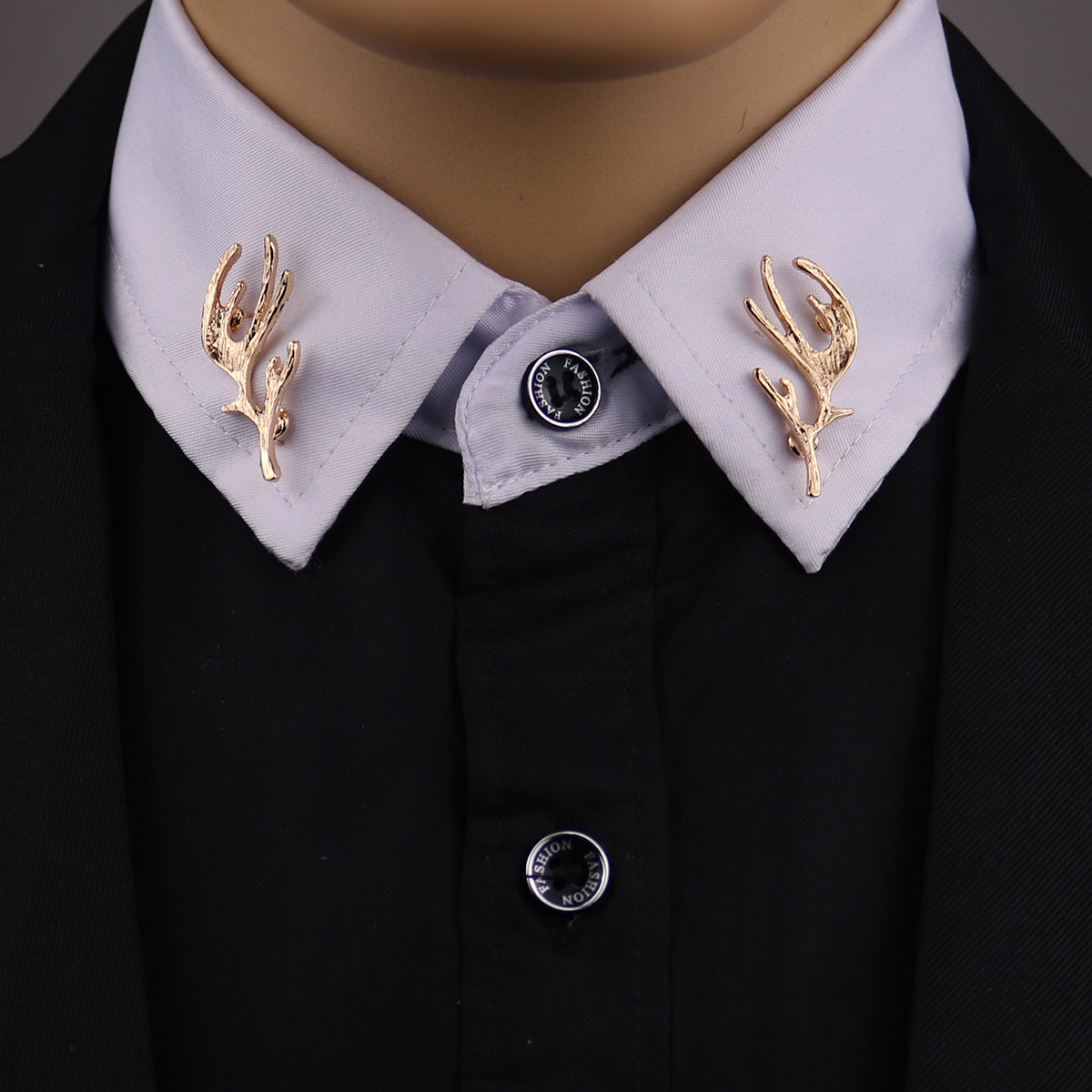 ae880369806 2016 New Time-limited Plated Trendy Animal Men Broche Retro Personality Elk  Antler Shirt Brooch