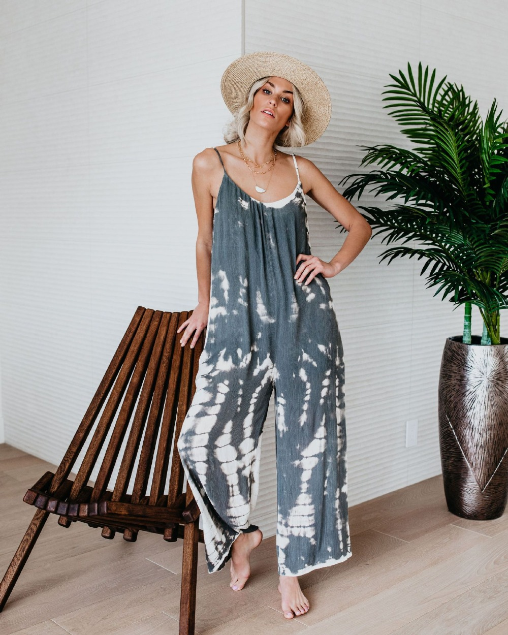 2019 summer new European and American fashion women's sling tie dyed printed   jumpsuit   retro fashion Bohemian holiday   jumpsuit   tr