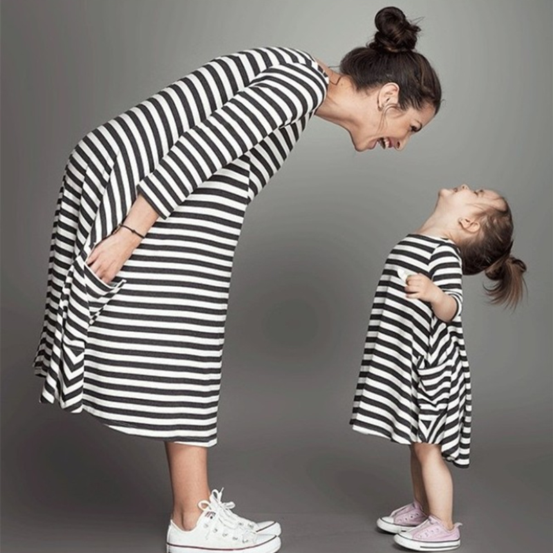 1pcs New Styles Family Matching Outfits Mother Or Daughter Dress Casual Cotton Half sleeve black and white Striped Family Dress