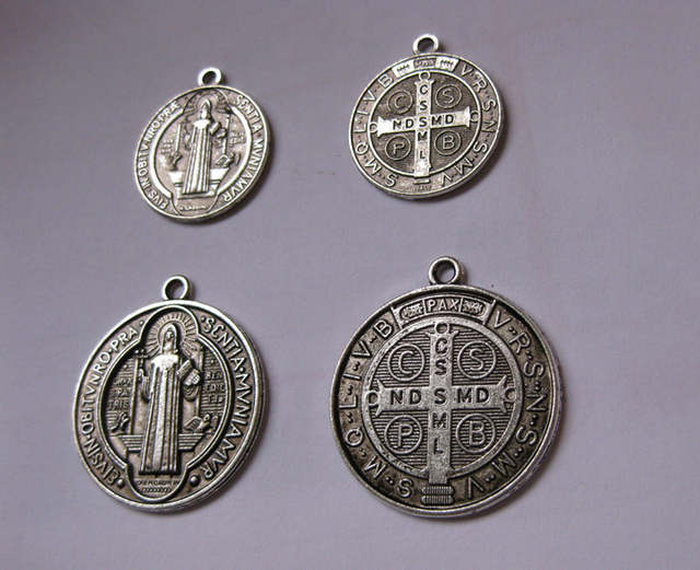 ddb20beaaaa Catholic Religious Gifts saint St St. Benedict holy Medal Charm Pendant  Charms antique silver plated diameter 2.3cm and 3cm-in Charms from Jewelry  ...