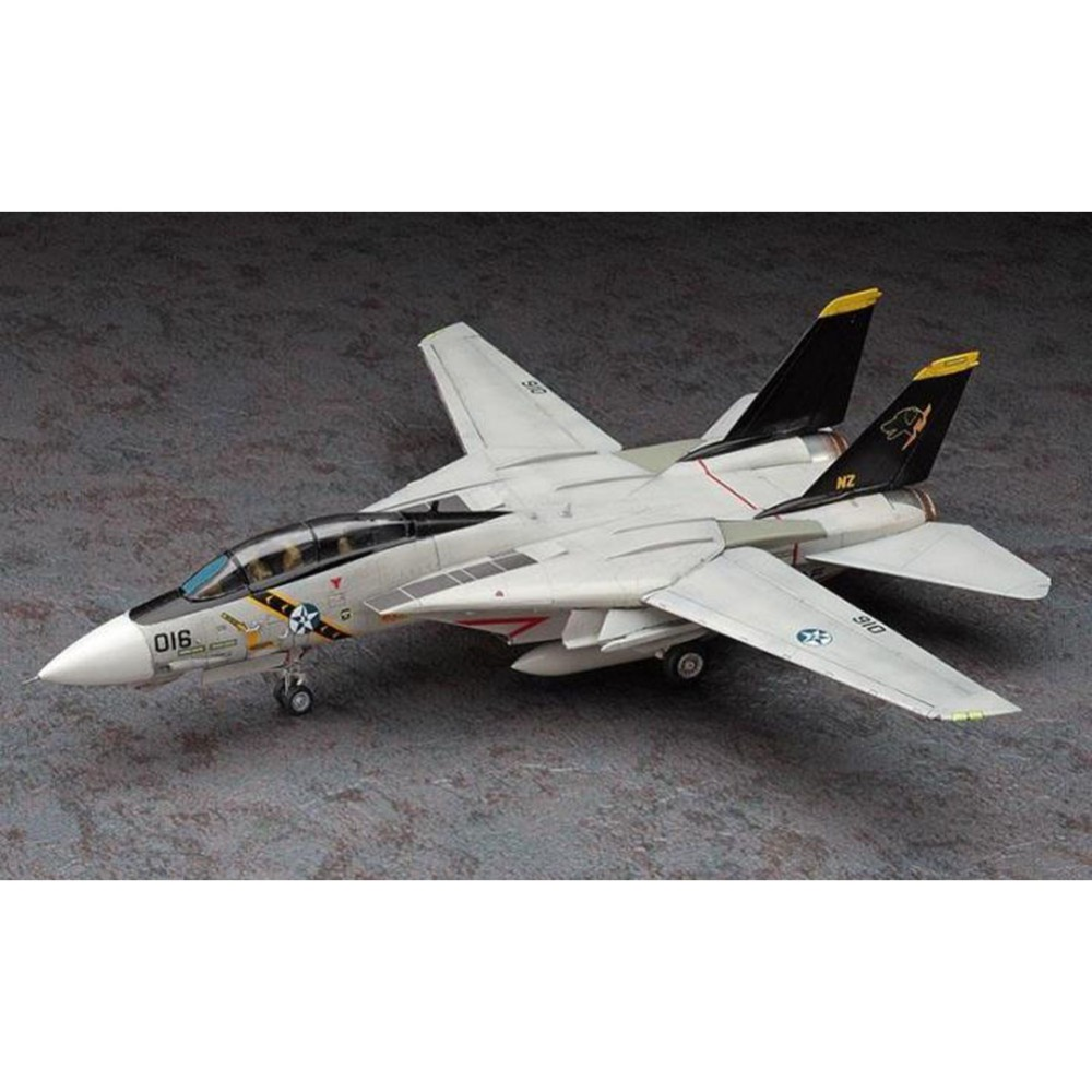 OHS Hasegawa 52135 1/72 F14 Tomcat Wardog Ace Combat Assembly Airforce Model Building Kits ohs tamiya 60102 1 35 tyrannosaurus diorama set assembly scale dinosaur model building kits