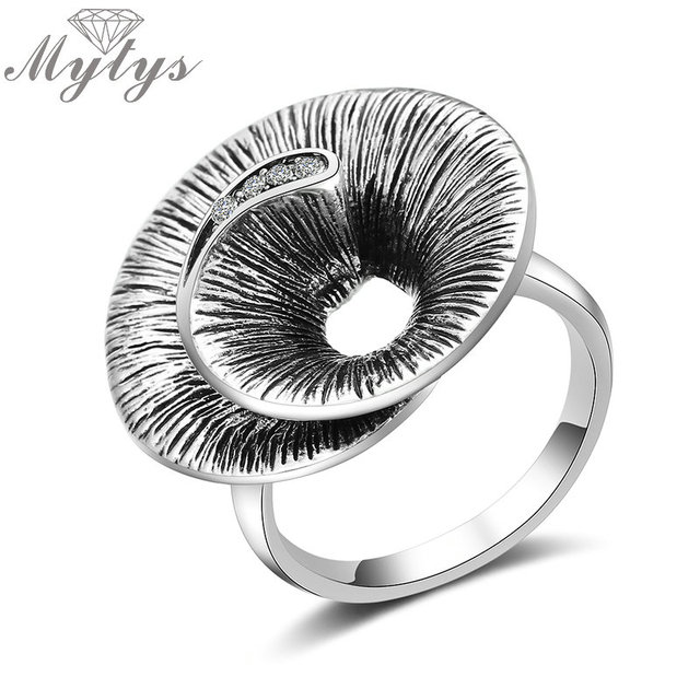 Mytys Grey Color Helix Round Hollow Ring for Lady Invisible Setting Crystal Fash