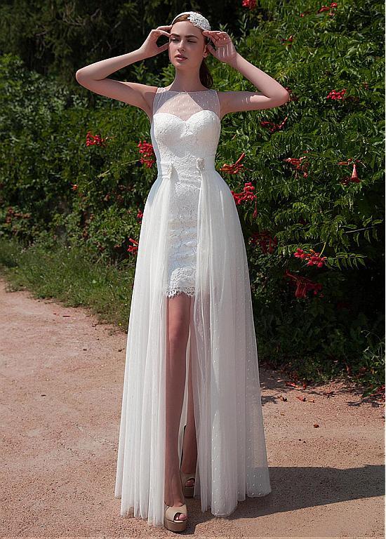Beach Wedding Dress Elegant Polka Dot Tulle Lace Bateau Neckline 2