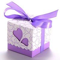 Бесплатная Доставка 100 шт. фиолетовый сердце свадьбы пользу Коробки конфет с лентой Baby Shower Бумага пользу подарки коробки коробка шоколада