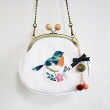купить 2017 New Arrival England Mori Style Diamonds Bow Flower PU Chain Embroidery Bird Handmade Wool Felt Women Messenger Shoulder Bag по цене 1550.12 рублей