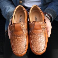 Mens Shoes Handmade Genuine Leather Casual Shoes Luxury Brand Men Loafers Fashion Breathable Driving Shoes Slip On Moccasins fashion leather shoes men casual shoes luxury brand 2019 mens loafers moccasins breathable slip on black driving shoes man flats