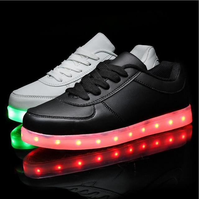 Bebé Zapatos Para bebé USB Cargador de Luz Luces Led Schoenen Zapatos Chaussure Enfant Luminoso Zapatos de la Zapatilla de Deporte Ocasional