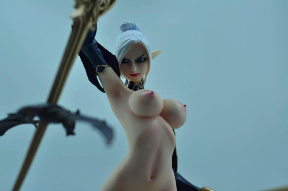 Lineage 2 nude girls join told