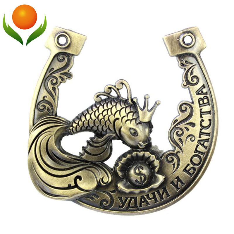 2015 Unique gift box packing/gold metal craft/popular ancient horse shoes/wedding favors and gifts/ stand for hope and wealth