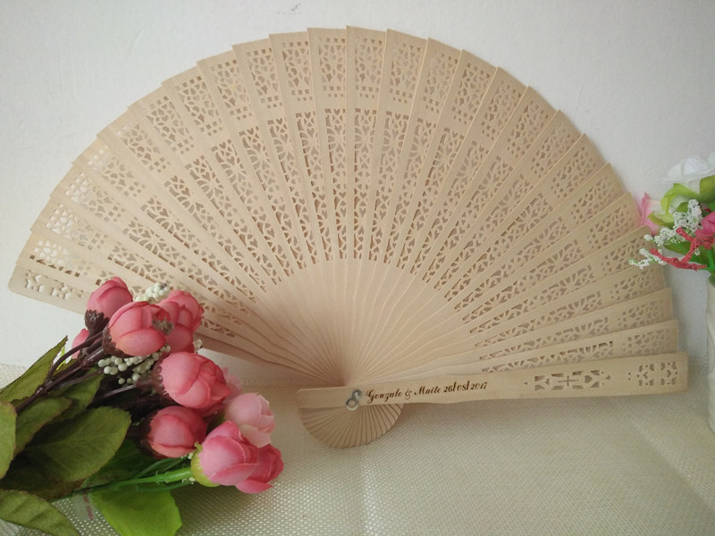 150pcs Wedding Favor Gift Personalized Sandalwood Cutout Hand Folding Wood Fans DHL Free Shipping
