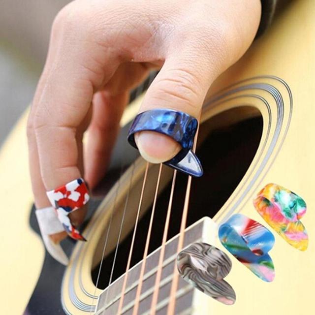 4pcs/Set Guitar Plectrums Sheath For Acoustic Electric Bass Guitar Wholesale Random Color Thumb Finger Guitar Picks