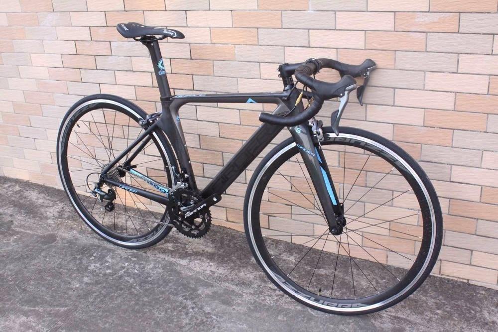 Bonne qualité et pas cher vélo complet en carbone Toray t800 BSA/BB30 22 vitesses shimano groupe vélo de route en carbone vélo de course