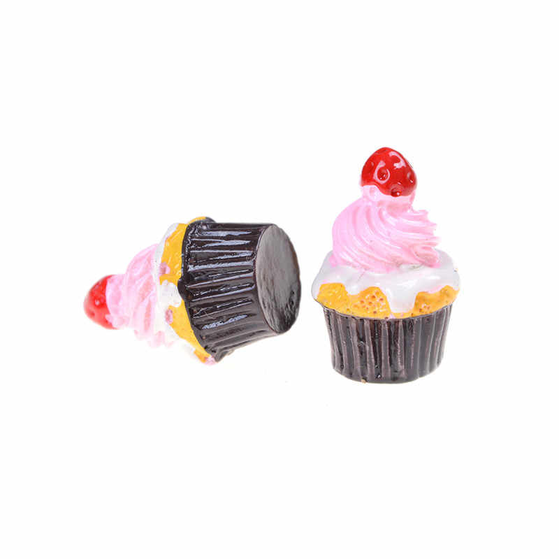 3Pcs Resin Strawberry Cakes Miniature Food Models Dollhouse Home Decoration Accessories 2cmx2cmx2.5cm