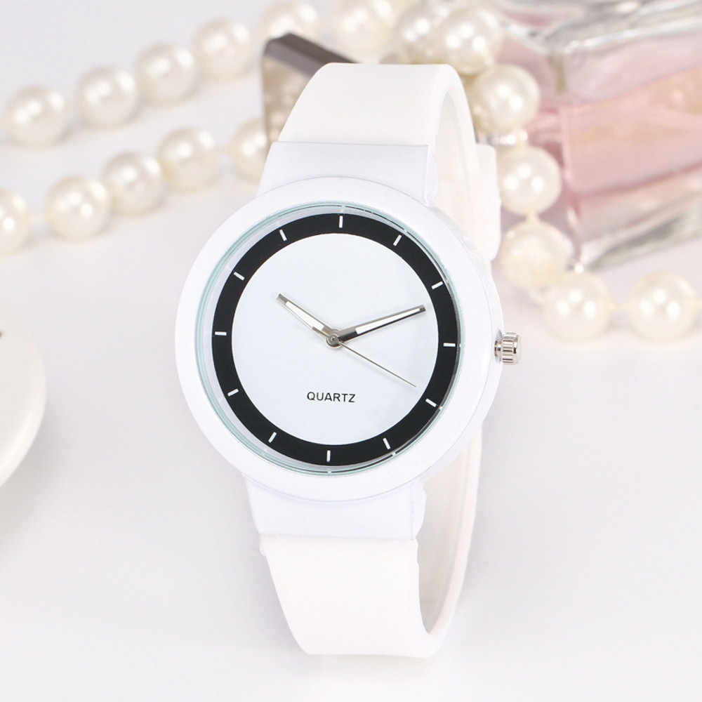 2018 Woman Fashion Clock Casual Silicone Strap Analog Quartz Round Watch Ladies Fashion Dress Quartz Wristwatch Female Watch