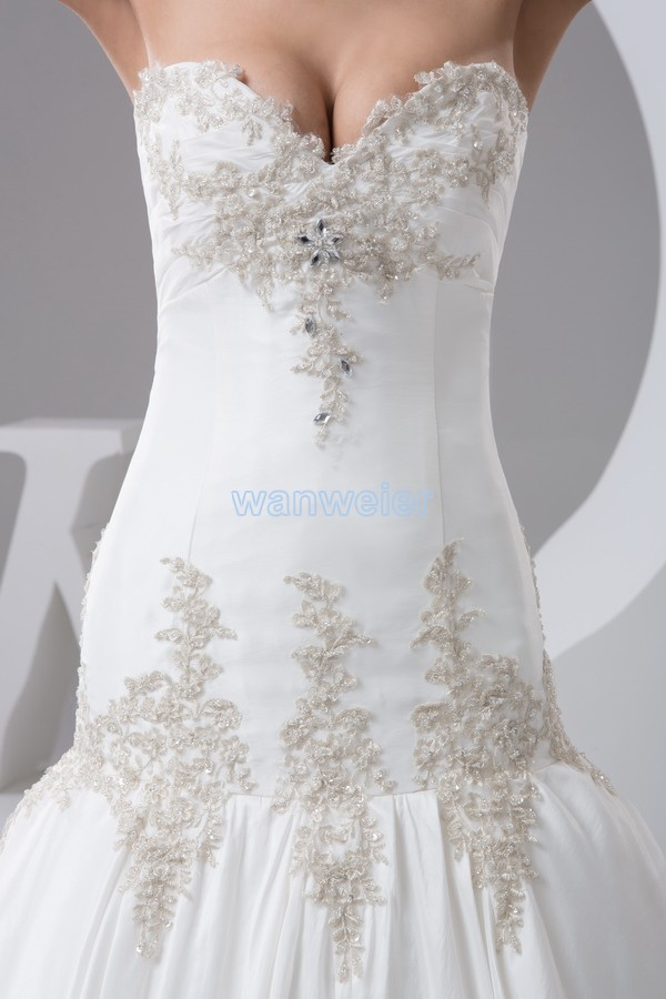 free shipping 2016 new design plus size custom color size appliques bridal gown good quality princess white wedding dress real in Wedding Dresses from Weddings Events
