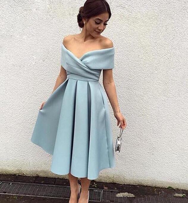 Simple V-neck Pleat Graduation Dresses For College 2019 Tea Length Short Homecoming Dresses Cheap Ice Blue Satin Arabic Prom