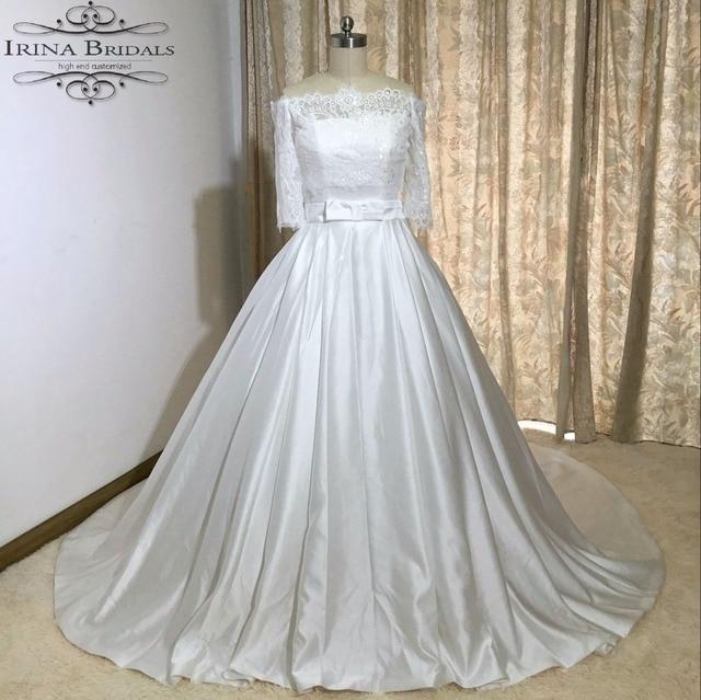 Robe de mariee en satin blanc