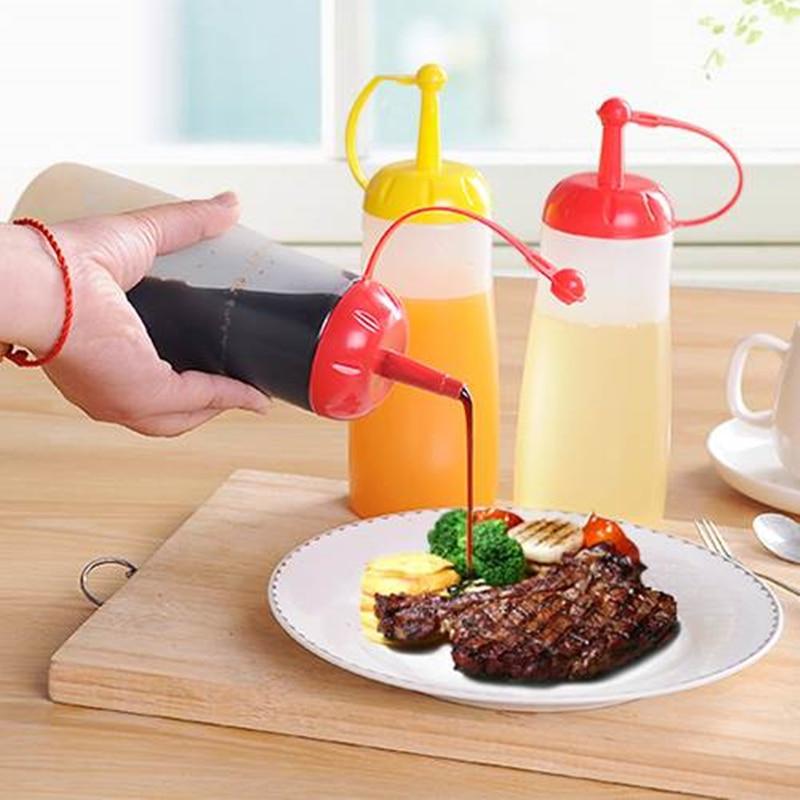 2pcs Kitchen Oil Dispenser Plastic Squeeze Bottle Tomato Salad Soy Sauce Vinegar Bottle for Condiment Olive Oil Dispenser
