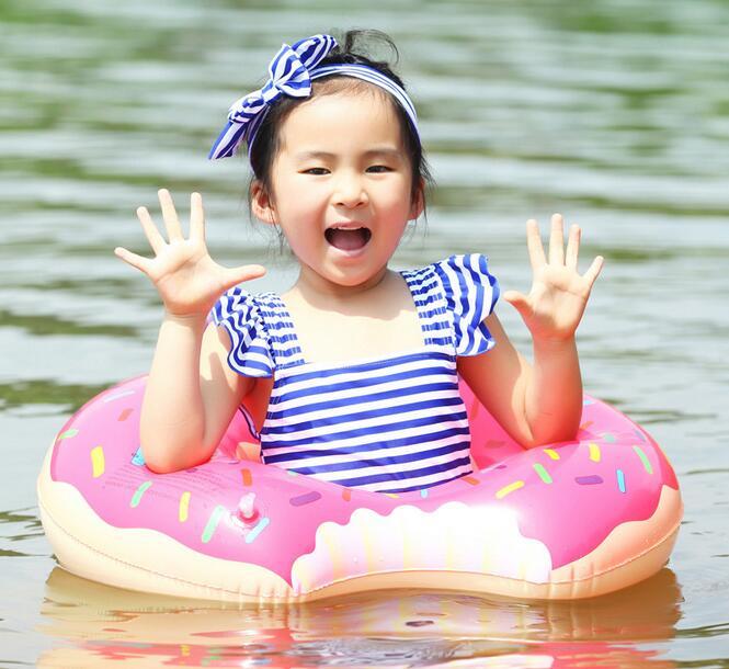 For børn 55 cm oppustelig svømmeringe Flydende oppustelig livboj livring med luftpumpe
