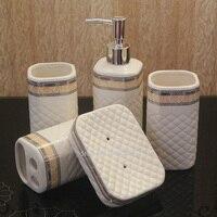 Europeu banheiro cerâmica cinco conjuntos de produtos de higiene pessoal produtos de higiene pessoal banho de sabão garrafas soap dish titular escova caneca