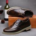Tendencia de la moda de Los Hombres Zapatos de Cuero Del Otoño Del Resorte Ocasional Zapatos Oxford Planos de Los Hombres de Ocio Negro/Marrón Chaussure Homme 2A