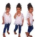 Высокое качество fahsion ребенок девушки одежды костюм кружева Hollow Блузка + Белый Слинг + Джинсы мода детская одежда 3 шт. комплект бесплатная доставка