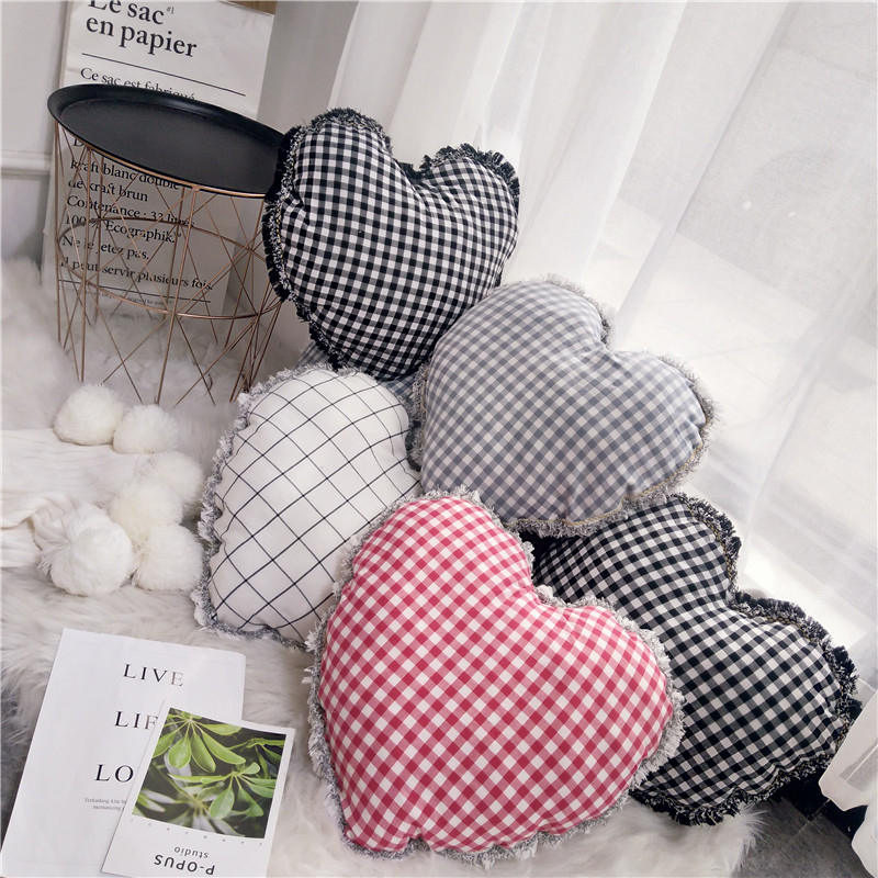 100% Cotton Pink Plaid Cushions Heart Style Fashion Tassel Edge 45x45cm Home Sofa Bed Decor Pillow with Core Gifts for Girls