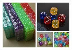 10 stücke Transparent Poker Chips würfel 14mm Sechs Seitige Spot Spaß brettspiel Würfel D & D RPG Spiele Geschenk-parteiwürfel Glücksspiel würfel
