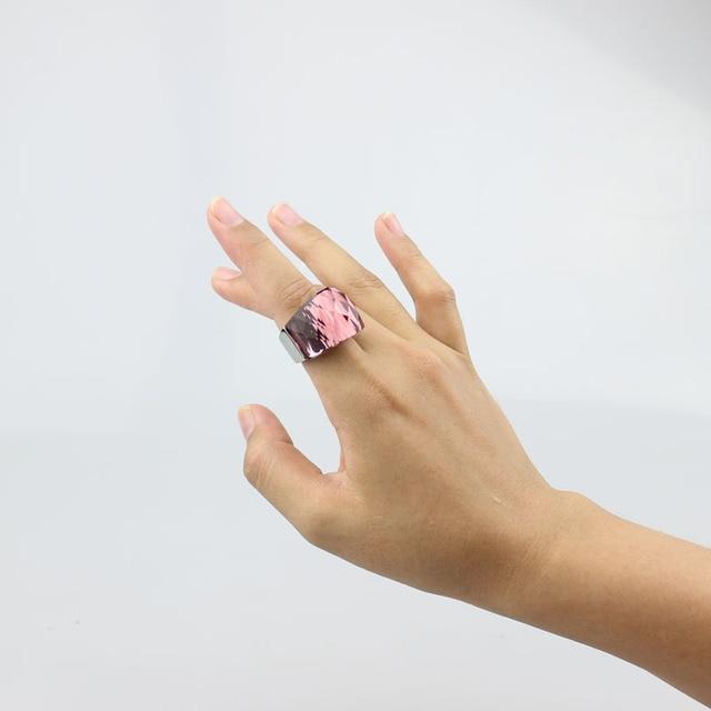 женское кольцо из нержавеющей стали прозрачное винно красное фотография