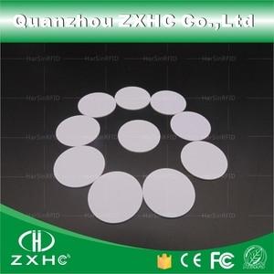 Image 1 - (10 pcs) צורה עגולה 25mm NFC תג Ntag216 888 בתים פלסטיק PVC מטבע כרטיסי משמש עבור אנדרואיד, IOS וכל NFC טלפון