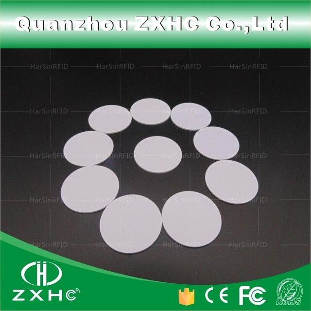 (10 pcs) צורה עגולה 25mm NFC תג Ntag216 888 בתים פלסטיק PVC מטבע כרטיסי משמש עבור אנדרואיד, IOS וכל NFC טלפון