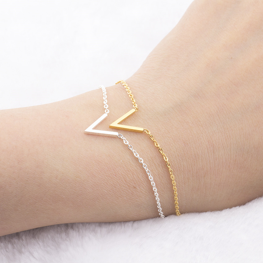 Letter V Armbanden voor vrouwen Simple Charm Jewelry RVS Chain Friendship Initial Bracelet Femme Bijouterie Pulseira