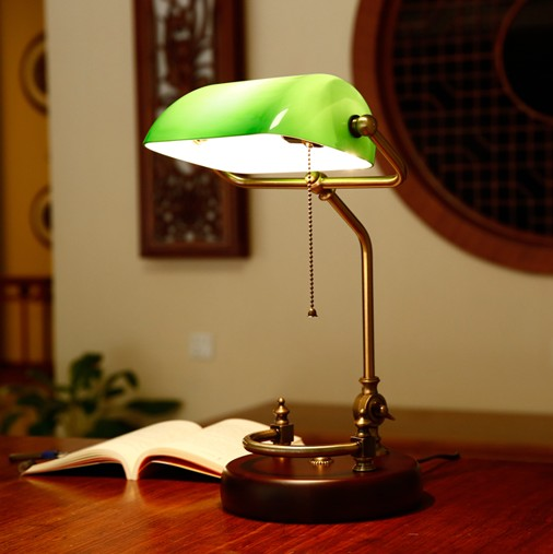 Bankers desk lamp vintage table lighting fixture green glass cover shade  birch wood base antique adjustable - Bankers Desk Lamp Vintage Table Lighting Fixture Green Glass Cover