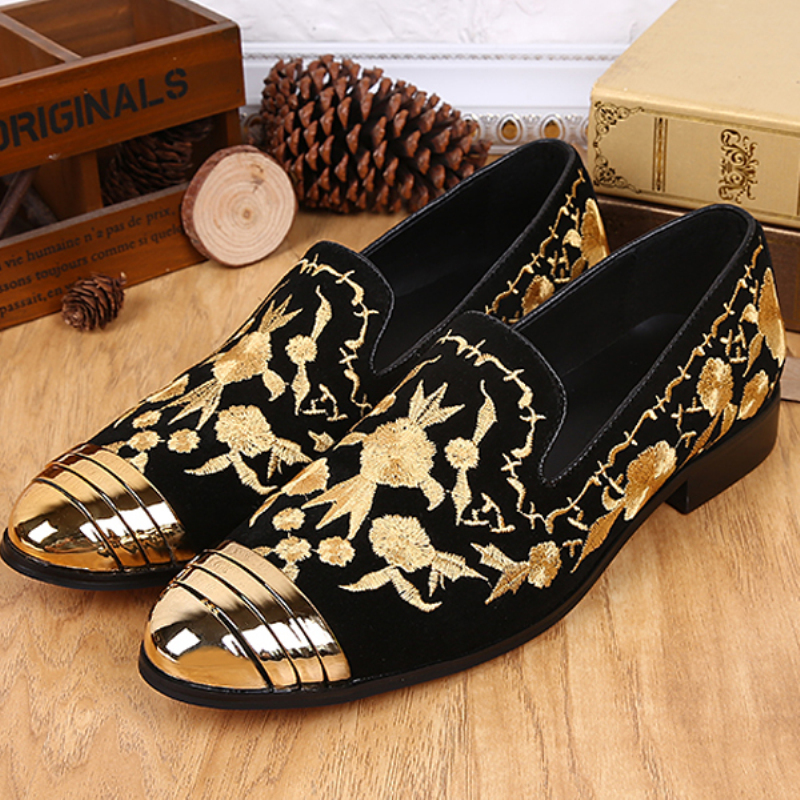 Christia Bella Gold Embroidery Pattern Men Loafers Fashion Suede Wedding Party Banquet Loafers Men Dress Shoes Slip on Men Flats